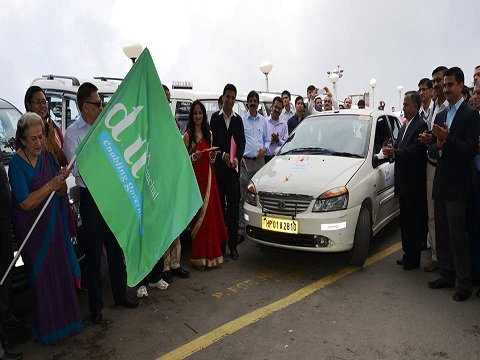 HP minister for Irrigation, Public Health & IT Smt. Vidya Stokes flagged off the  Aadhaar Mobile vans from HP Secretariat at Shimla on Sept 12, 2014