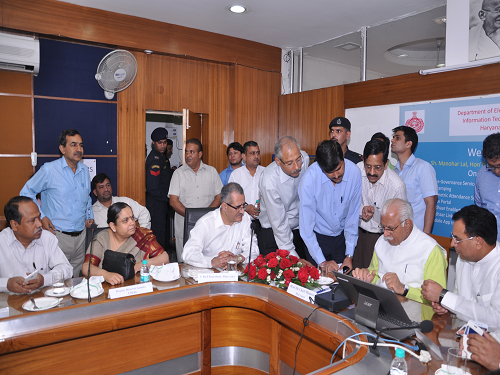 Hon'ble Chief Minister Haryana launches Aadhaar based Jeewan Parmaan facility for State Govt. Pensioners on 2nd May, 2015